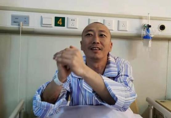媒体探访山东金矿事故被救矿工:被困14天,经历了什么?