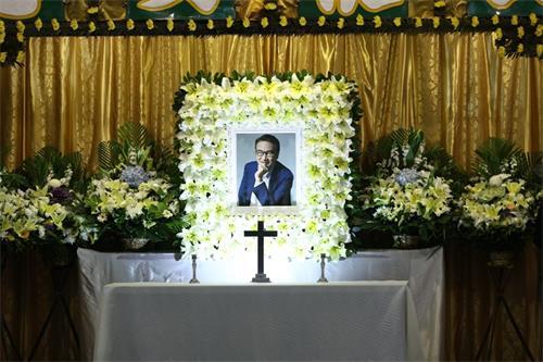 吴孟达丧礼今日举行,周星驰到场悼念
